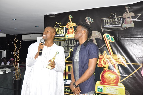 TopNaijaMusic CEO, Paul Oghoghorie extolling the qualities of Korede Bello, the Outstanding Emerging Act of The Yr 2014
