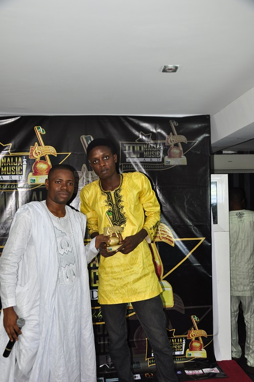 BENJEXX receiving his award as a Hip Hop Act With Potential